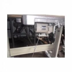 Máquina de costura Reta Industrial Juki Semi nova completa com mesa e motor silencioso